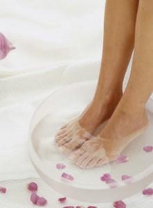 rose-petal-foot-massage
